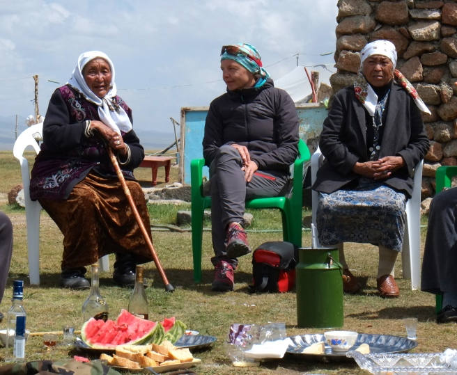 3 old women having lunch