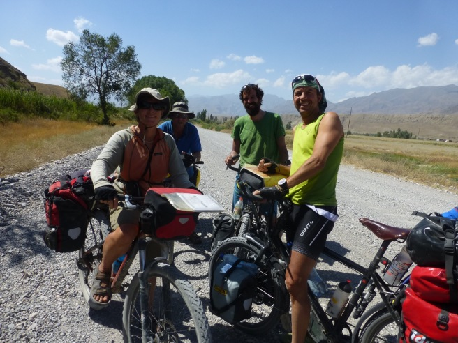 Meeting other cyclists from New Zealand and Switzerland