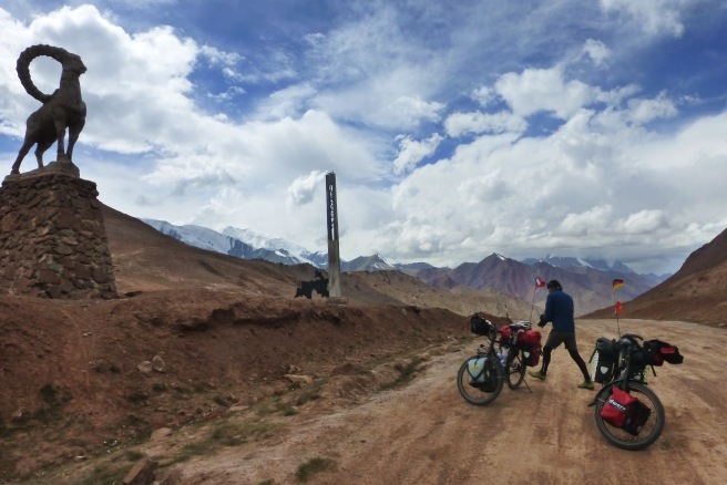 Highest point ever by bike at 4336m