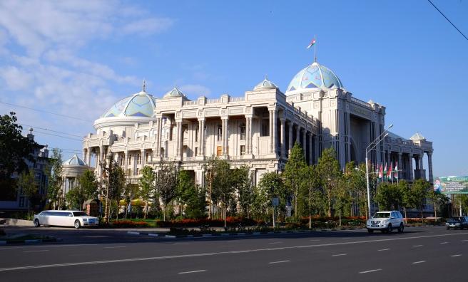 An enormous tea house
