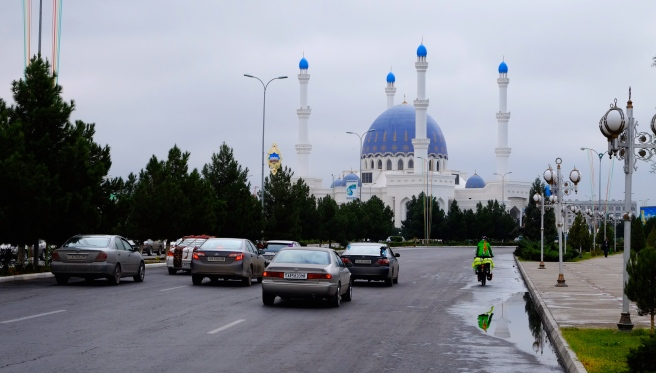 A huge mosque in Mary