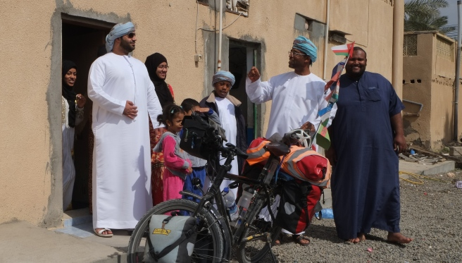 When we left Ibri we met the guy with the glasses in his fancy sports car who desperately wanted to invite us to demonstrate Omani hospitality - we spent a nice hour with his and a big part of his very big family